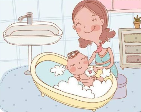 夏季给宝宝洗澡也有大学问?爱得利准备了这份洗澡指南