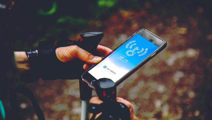 """不负三月春光 WiFi万能钥匙一键连接""""爱WiFi""""助力消费增长"""