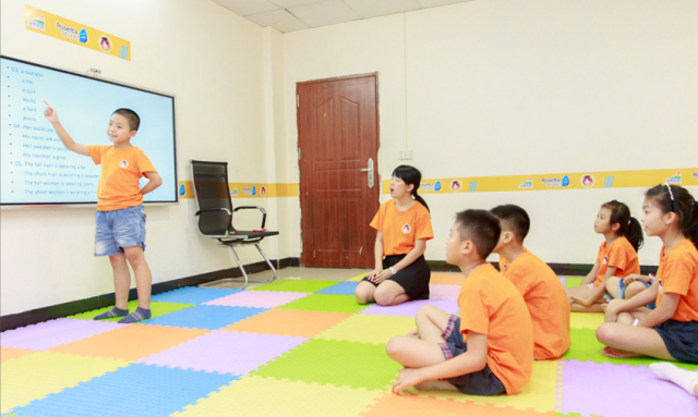 """塔牌外语创始人姚丽雪:要办一所让人幸福成长的""""可汗学院""""插图"""